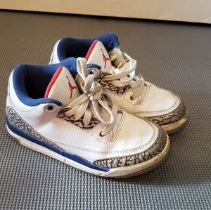 Boys Retro Jordan III size 1Y